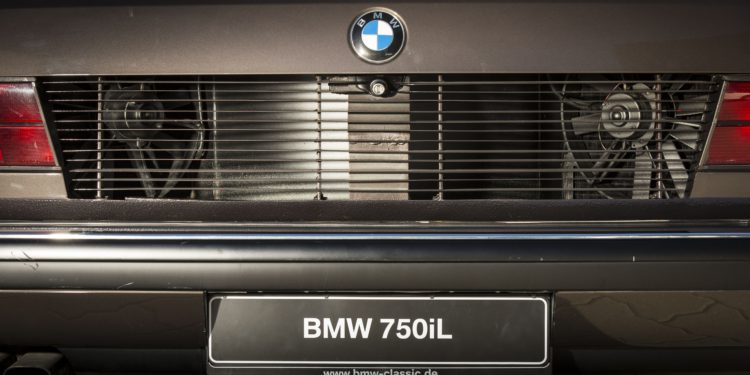 bmw serie 7 16 cilindros